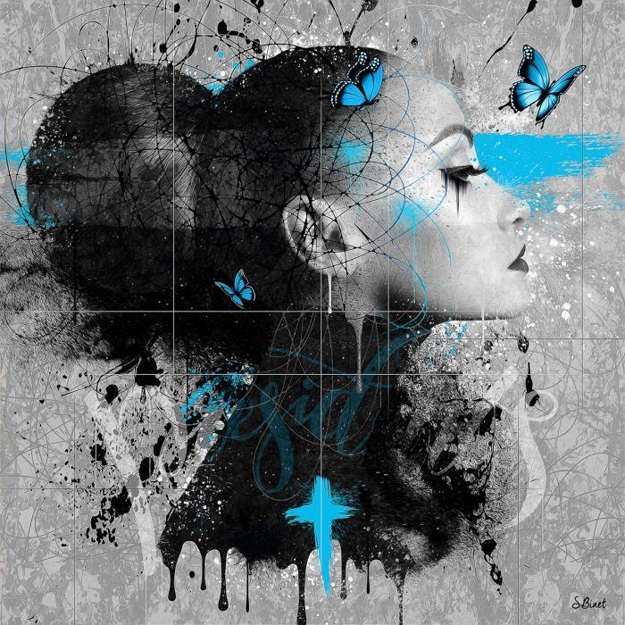 Femme papillon bleu
