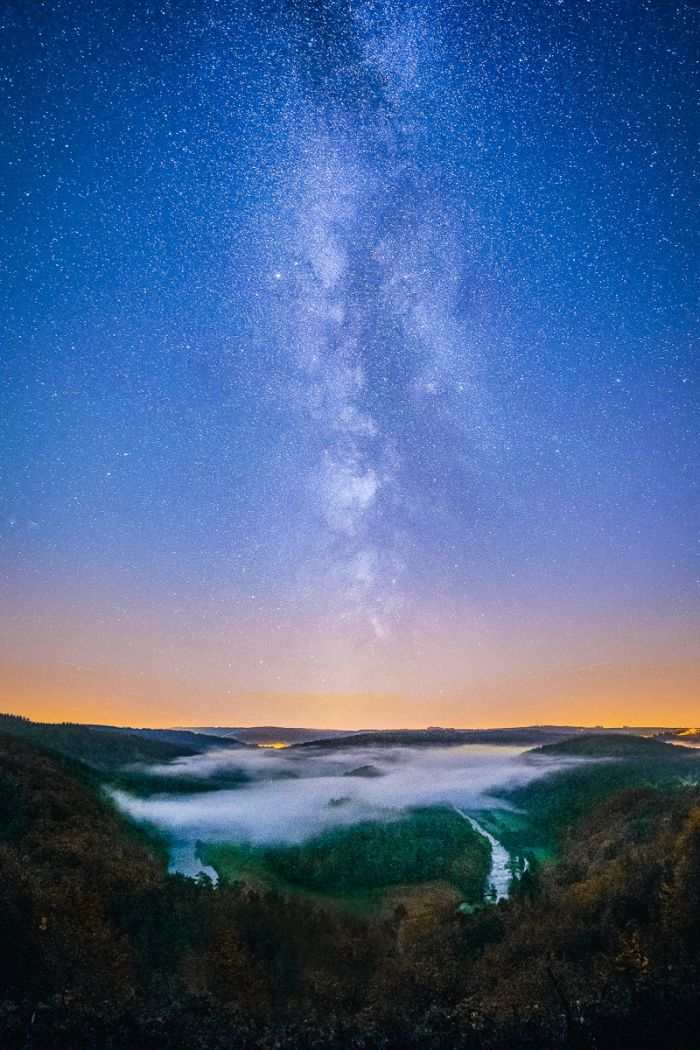Milky way on the valley